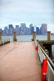 Classical NY - view to Manhattan from Li — Stock Photo