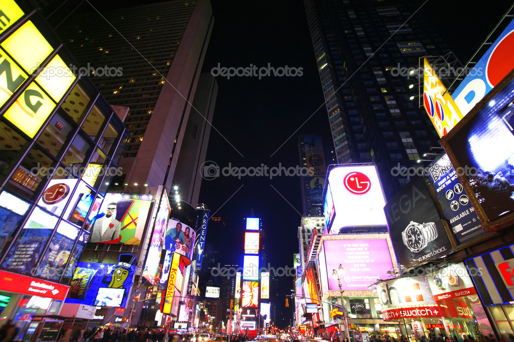 Times Square, New York street night life. New York City, which is the largest and most populous city in the USA — Foto Stock #1063385