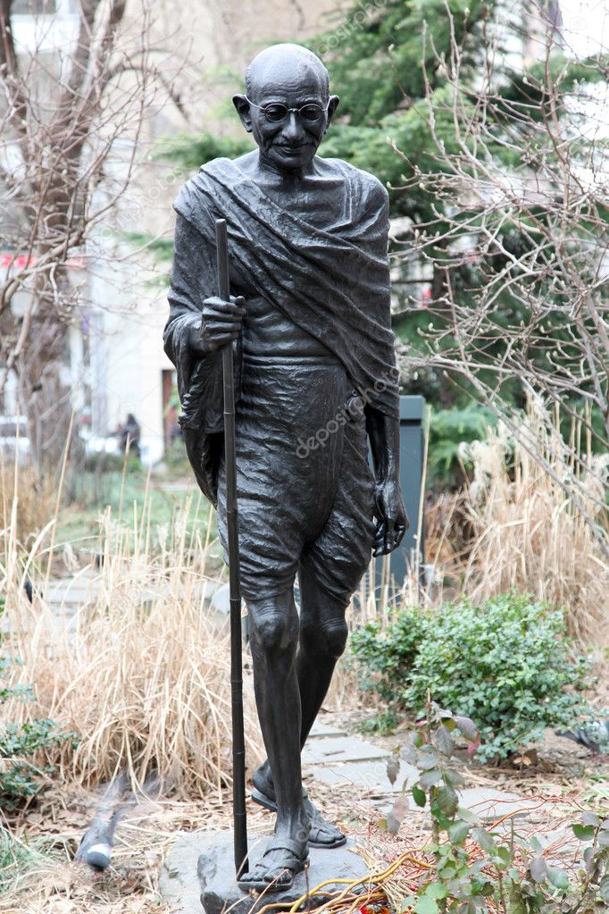 Monument of Mahatma Gandhi in NY — Stock Photo #1063908