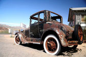 Old car in historic rout 66, arizona — Stock Photo