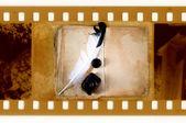 Libro de vendimia con pluma de la pluma y tintero — Foto de Stock