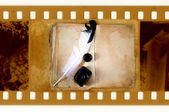 Libro d'epoca con piuma penna e calamaio — Foto Stock
