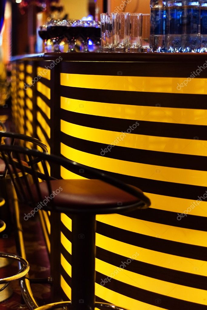 A stylish night bar with contemporary decor — Stock Photo #1634055