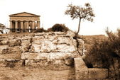 Italy, Greek temple in Agrigento — Stok fotoğraf