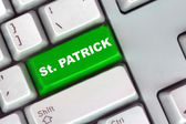 Green button St. Patrick's day — 图库照片