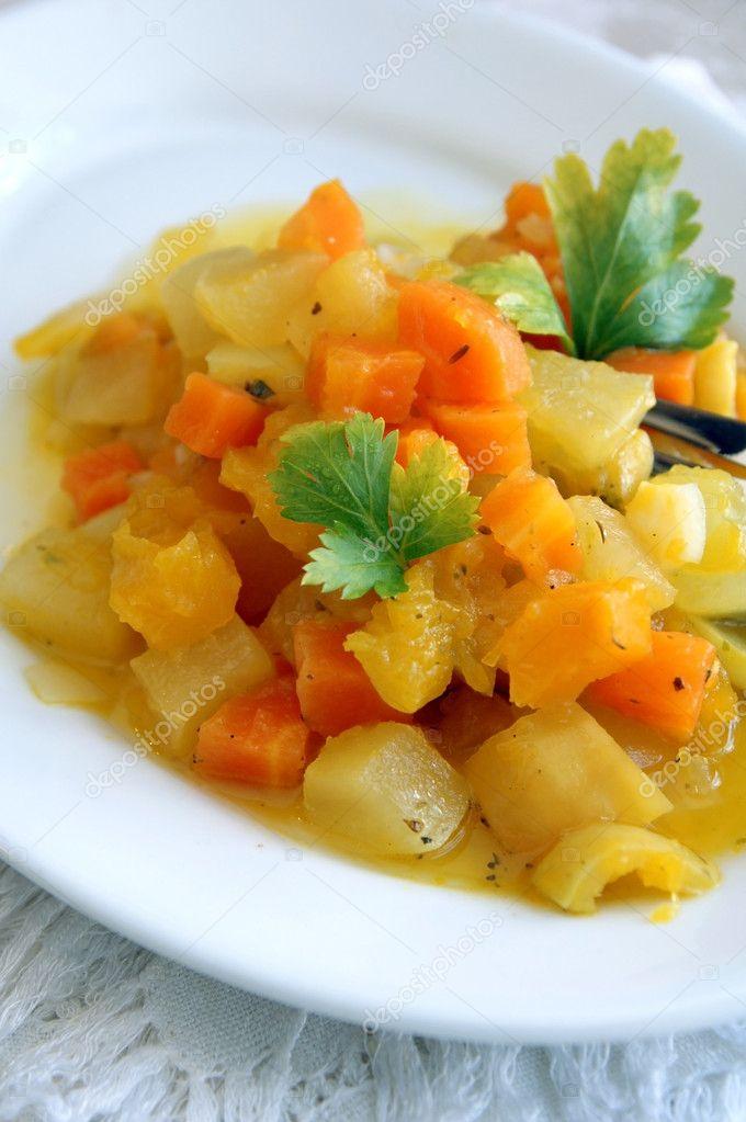 Тушеное рагу из овощей