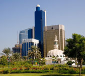 Mosque in front of office in Abu Dhabi — Stock Photo