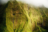 Kauai Mt. Waialeale waterfalls in rain — Stock Photo