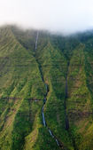 Waterfall off Mt Waialeale in Kauai — 图库照片