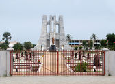 Statue and Memorial in Ghana — Stock Photo