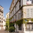 Old cobbled street in Montmartre in Pari — Stockfoto #1148389