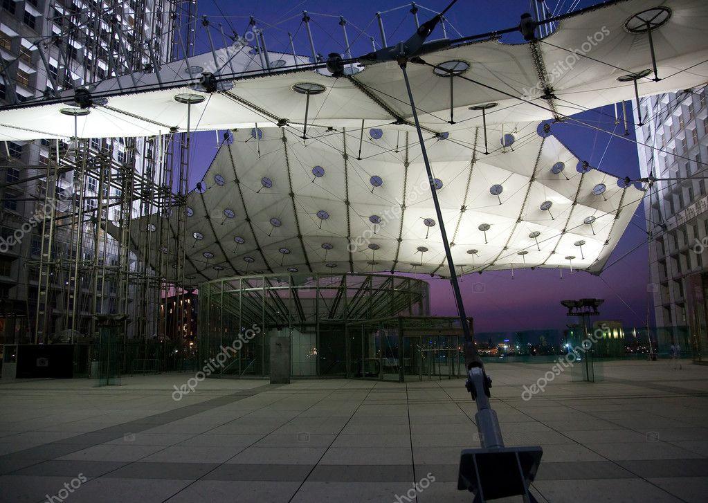 La grande arche in la defense in paris a stock image