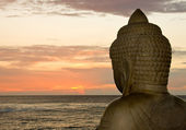 Budda i zachód słońca — Zdjęcie stockowe