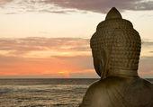 Buddha och solnedgång — Stockfoto