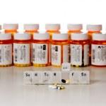 botellas de drogas horizontal — Foto de Stock