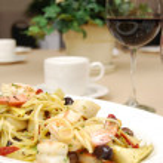 Rigatoni with seafood — Stock Photo