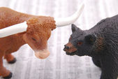 Bull and bear — Stock Photo