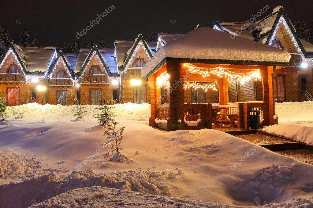The residential house with christmas lights — Stock Photo #2605736