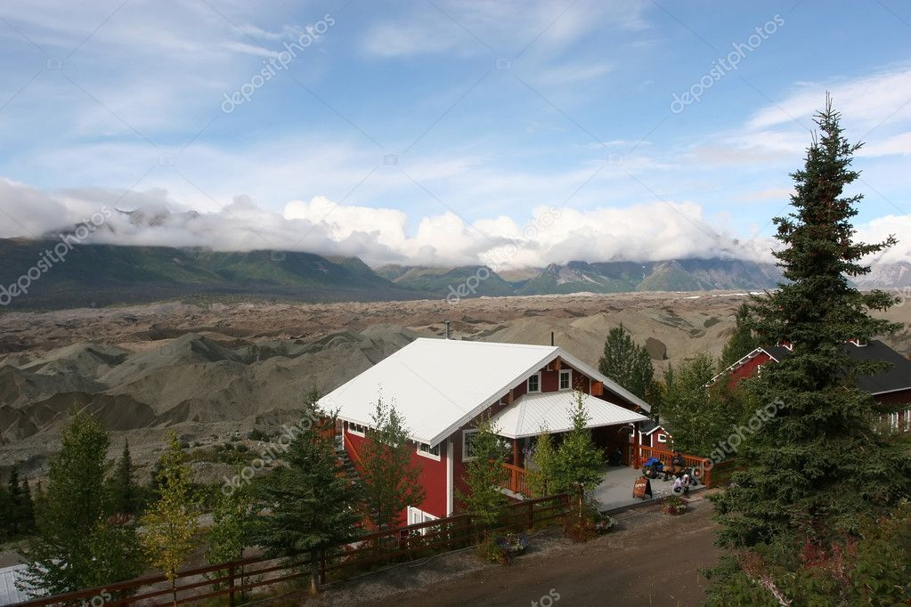 Established in 1980 by the Alaska National Interest Lands Conservation Act, Wrangell-St. Elias National Park and Preserve is a United States National Park in so — Stock Photo #1064468
