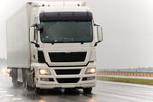 White lorry during the rain — Stock Photo