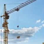 Column crane building a house — Stock Photo