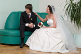 Newlywed young couple — Stockfoto