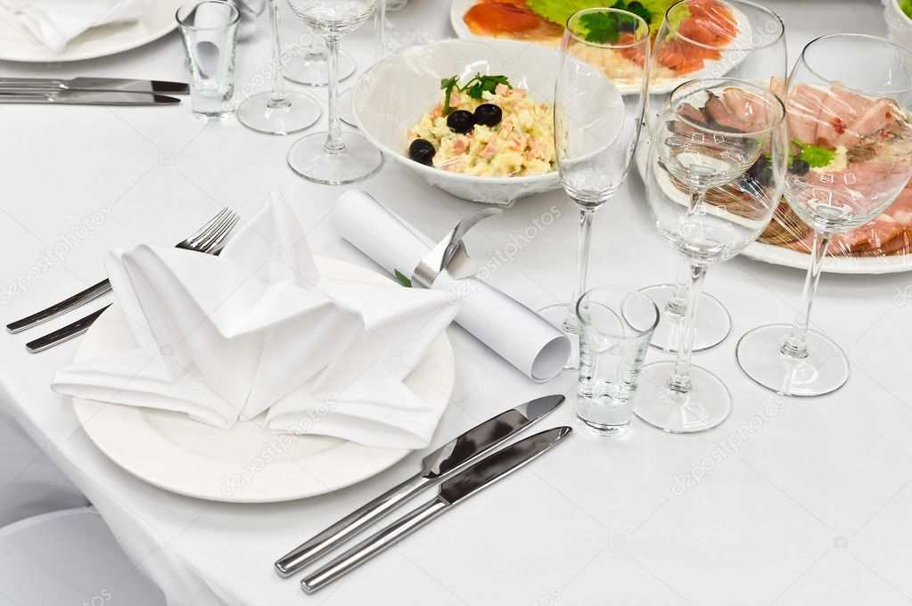 Detail of a fancy table set for holiday dinner — Stock Photo #1584512