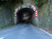Auto-tunnel — Stockfoto