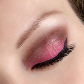 Beautiful woman close eye pink make up — Stock Photo
