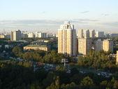 Moderne hoogbouw flatgebouw — Stockfoto