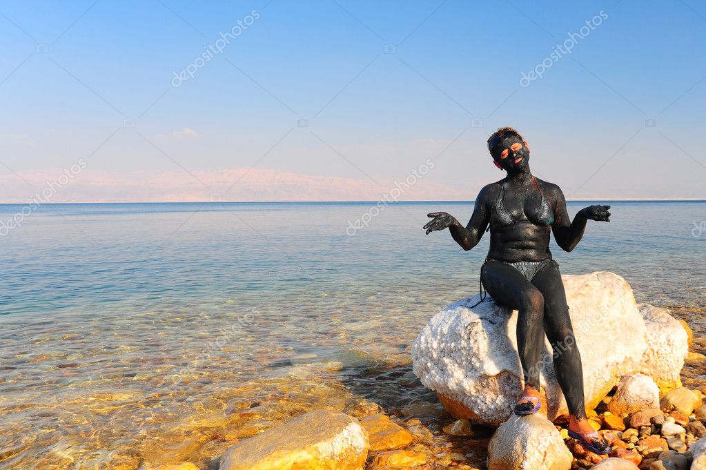 Mud Treatment At The Dead Sea, Israel. — Stock Photo #1058016