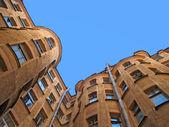 общий внутренний двор (колодцев суд) в санкт-петербурге — Стоковое фото