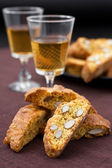 Cantucci e vin santo — Stock Photo