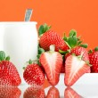 Fresh and tasty strawberries and yogurt — Stock Photo #1108232