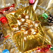 Gold christmas present - Foto de Stock
