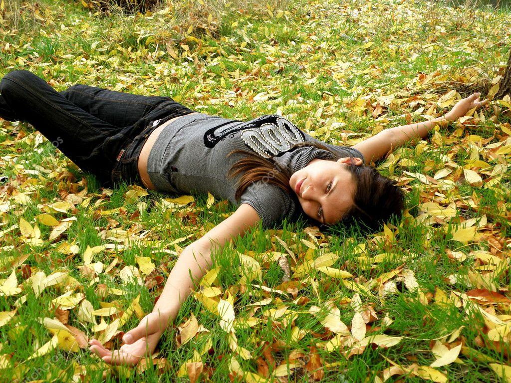 The young girl in autumn park — Stock Photo © Olesia Filonenko #