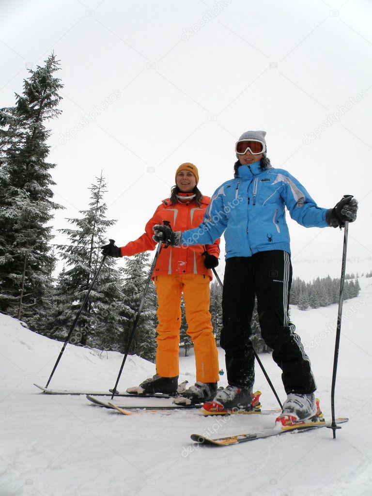 Девушки и лыжи фото