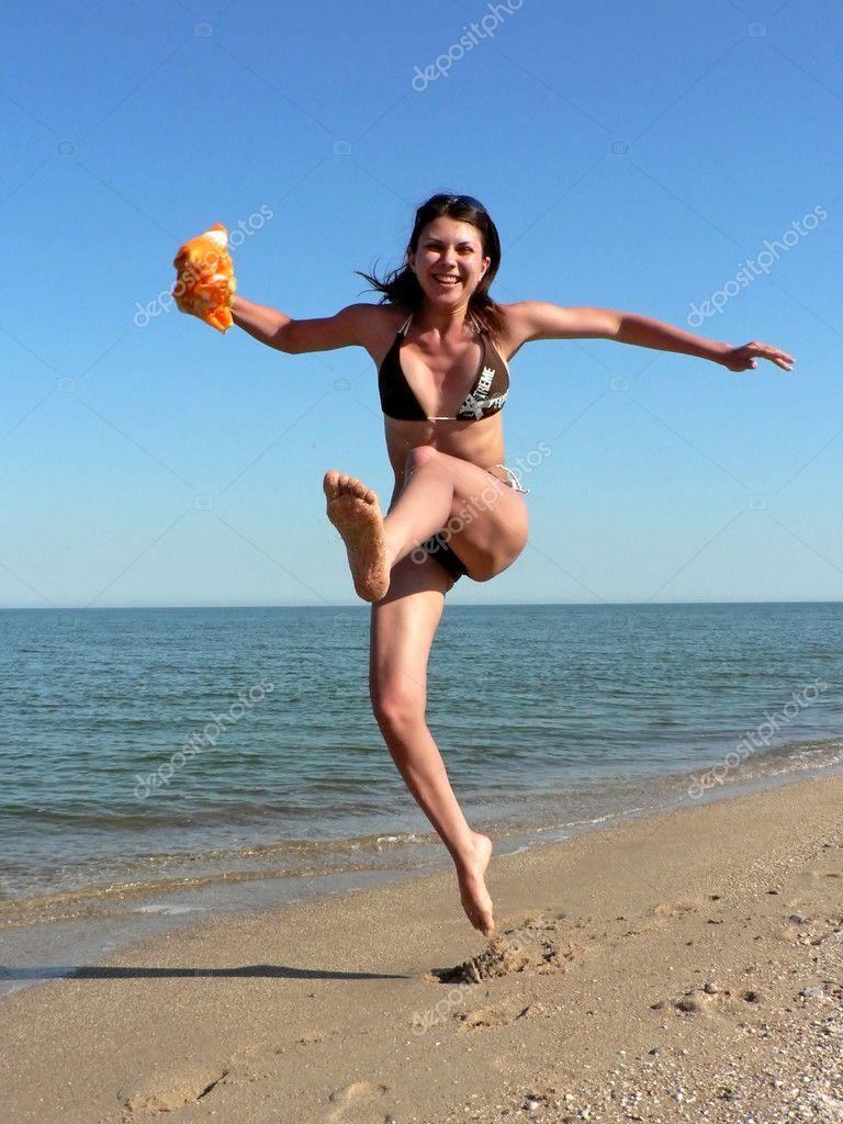 Тёлка на пляже фото 17 фотография