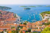 Hvar in kroatien und die umliegenden inseln — Stockfoto