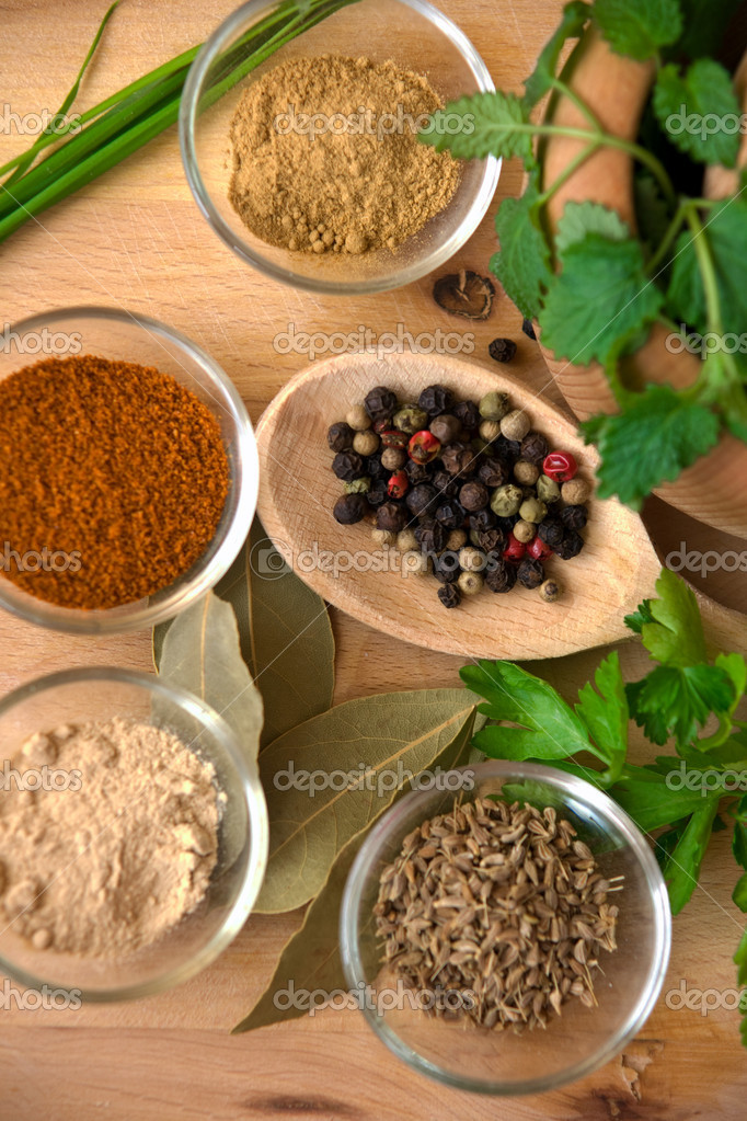 Spices with pestle and mortar  — Stock Photo #2270828