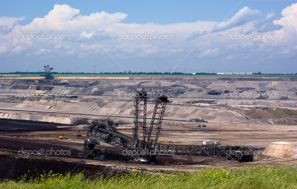 Open strip coal mining in Rhineland, Germany — Stock Photo #1047382