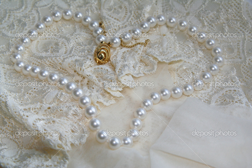 wedding hair accessories, wedding cakes, wedding dresses ring pillow, wedding accessories-46