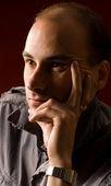 Düşünme genç adam portresi — Stok fotoğraf