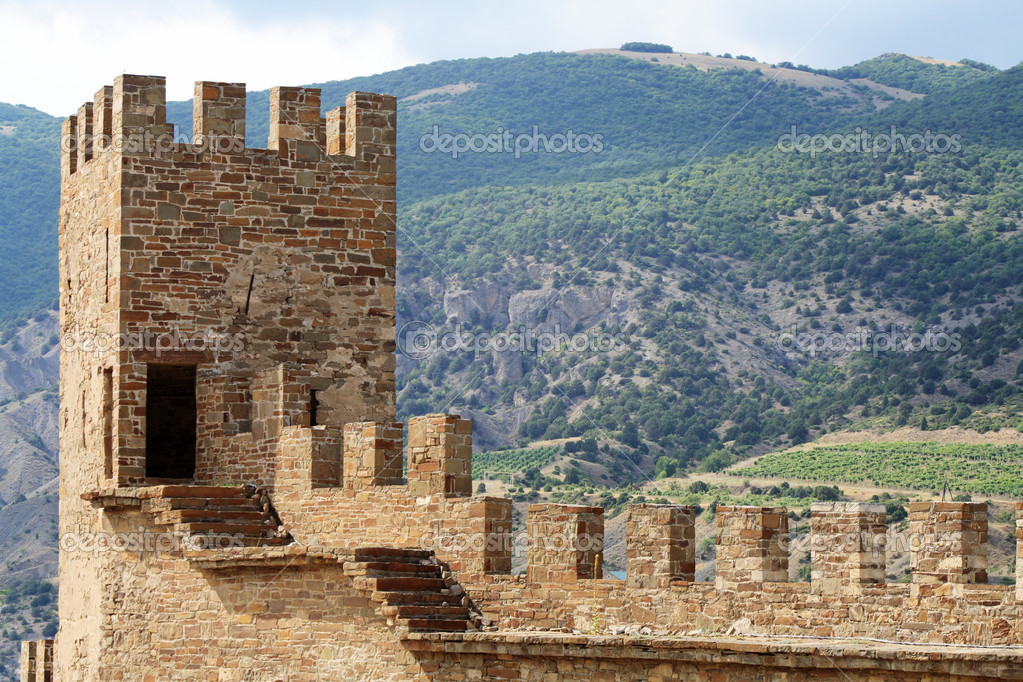 Nice landscape with disruption of ancient Genoese fortress in Crimea — Stock Photo #1090972