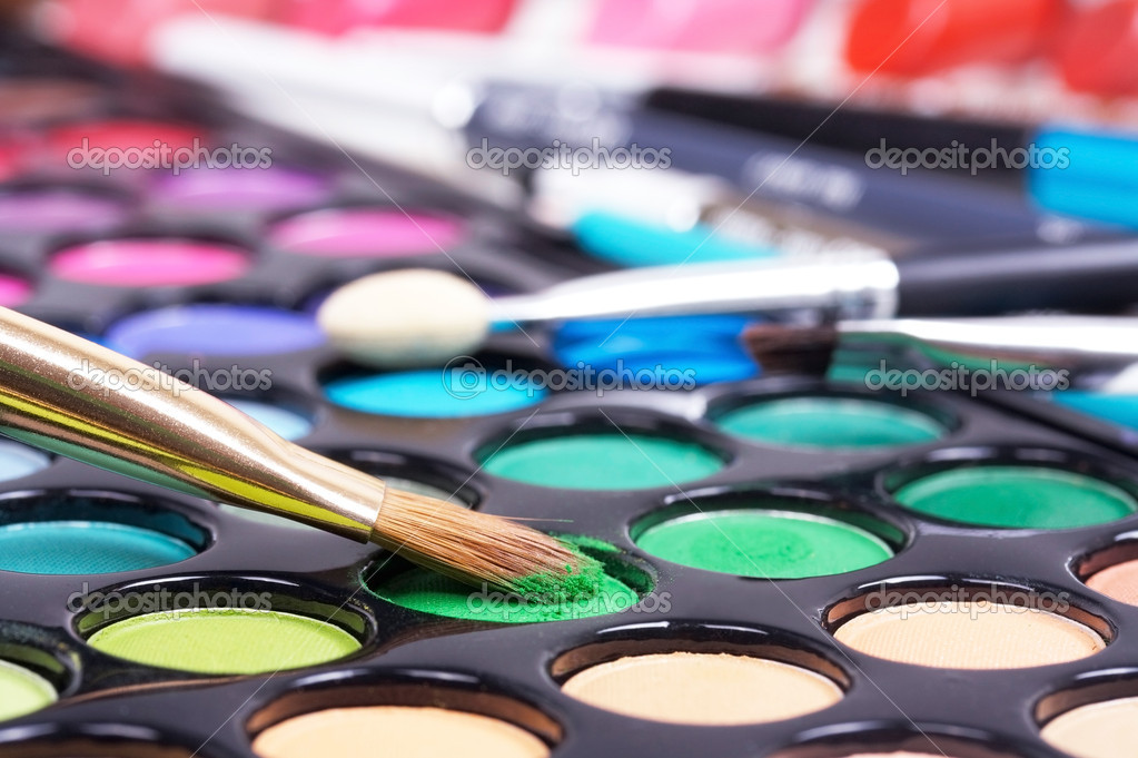 Professional tools for make-up artists closed up — Stock Photo #1059006