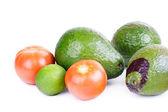 Abacate, tomate e limão — Fotografia Stock