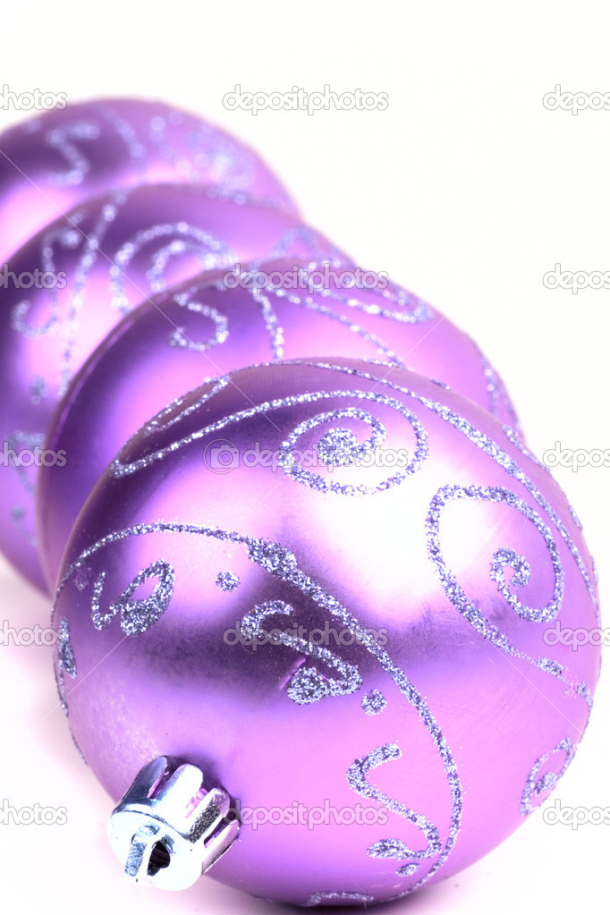 quatre violet boule de no l photographie marylooo 1075273. Black Bedroom Furniture Sets. Home Design Ideas