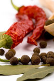 Spices: bay leaves, pepper, pimento — Stock Photo