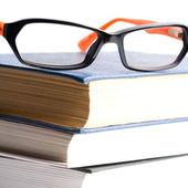 книги и очки — Стоковое фото