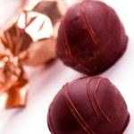 dwa cukierki czekoladowe — Zdjęcie stockowe